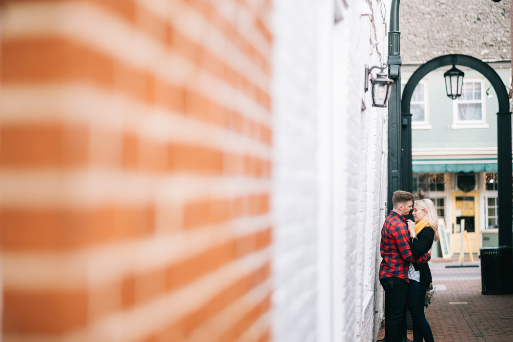 historic leesburg alley on king street engagement session