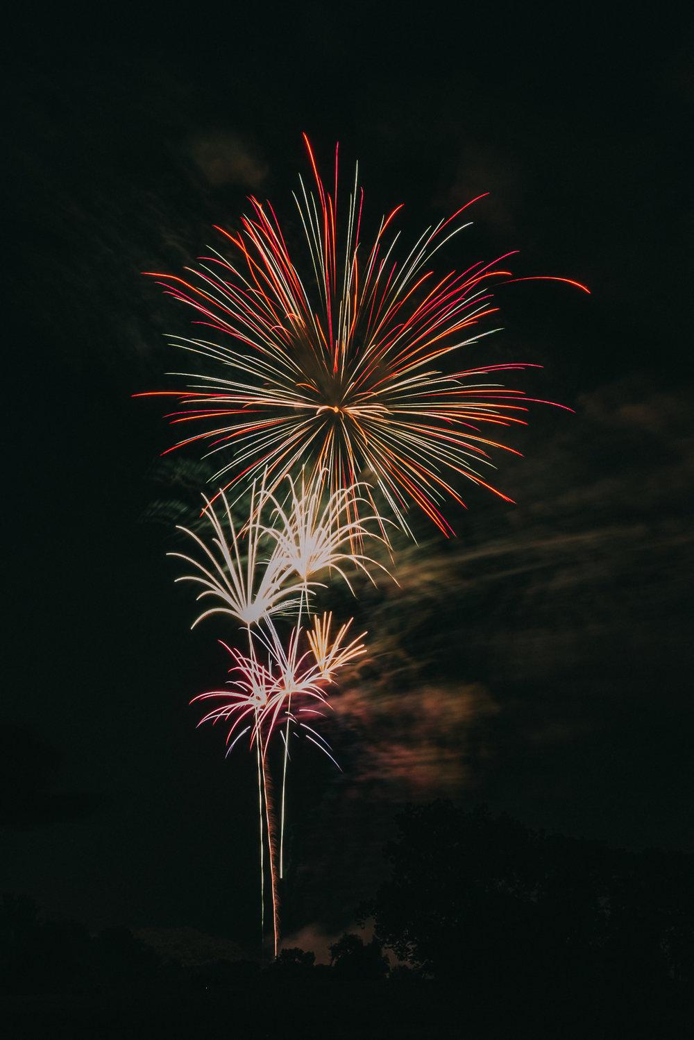 Leesburg VA Ida Lee Fireworks-3.jpg