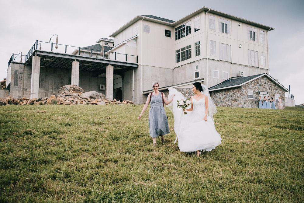 virginia blue valley vineyard and winery wedding -36.jpg