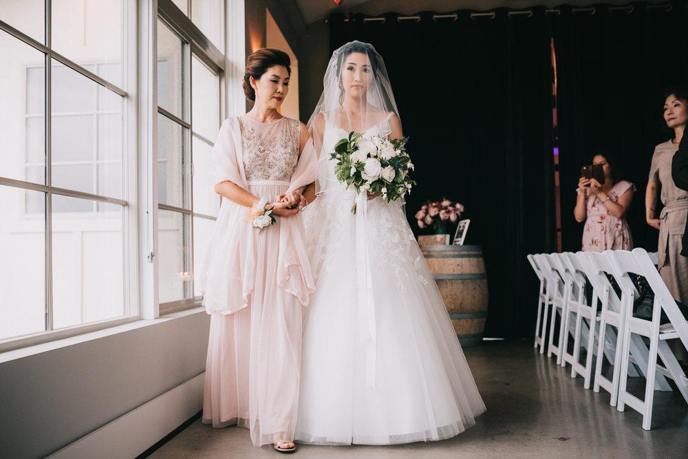 virginia blue valley vineyard and winery wedding -73.jpg