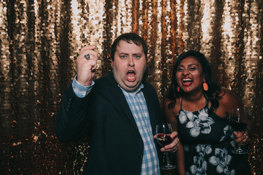 baltimore rusty scupper wedding photo booth-2.jpg