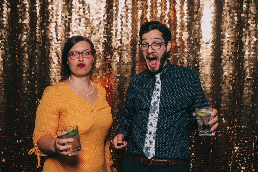 baltimore rusty scupper wedding photo booth-7.jpg