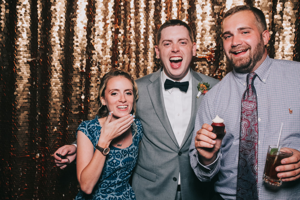 baltimore rusty scupper wedding photo booth-44.jpg