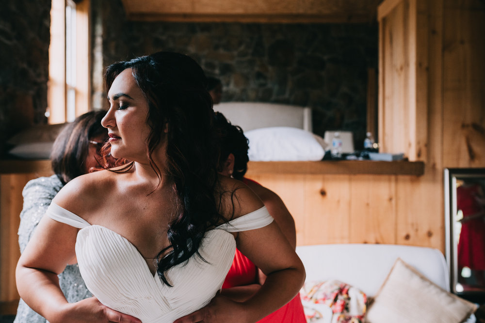 bluemont vineyard wedding virginia-18.jpg