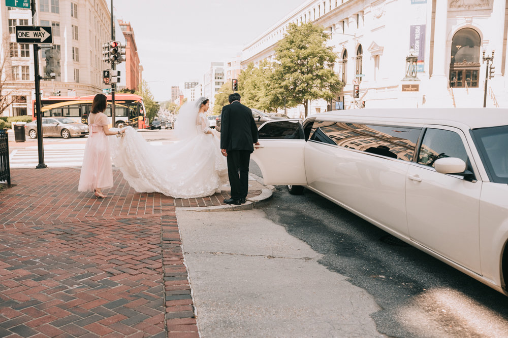 DC bride enters limo