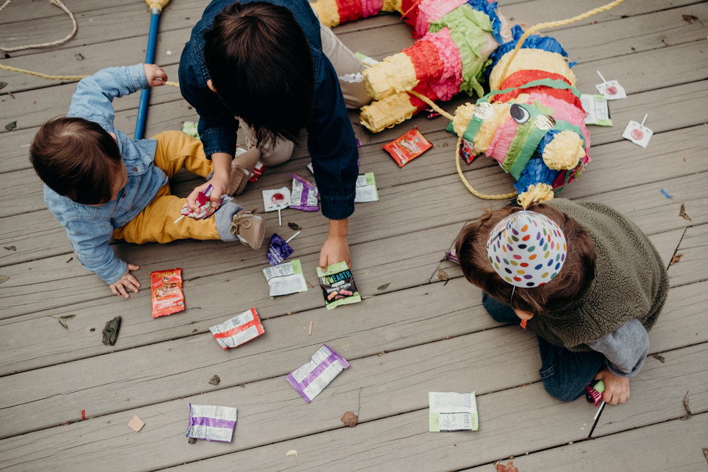 kids collect pinata candy virginia family lifestyle photography