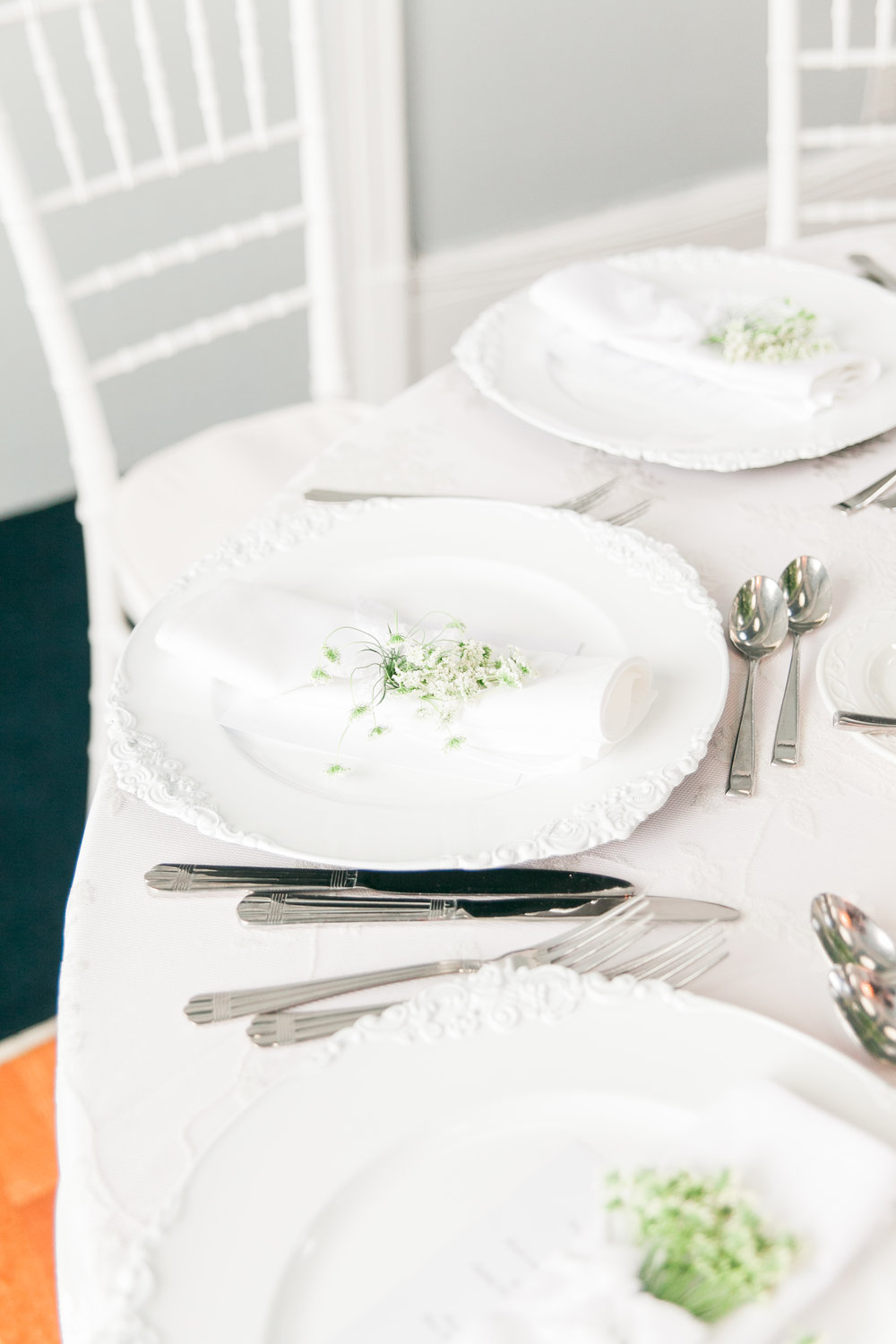 White and green fresh wedding details