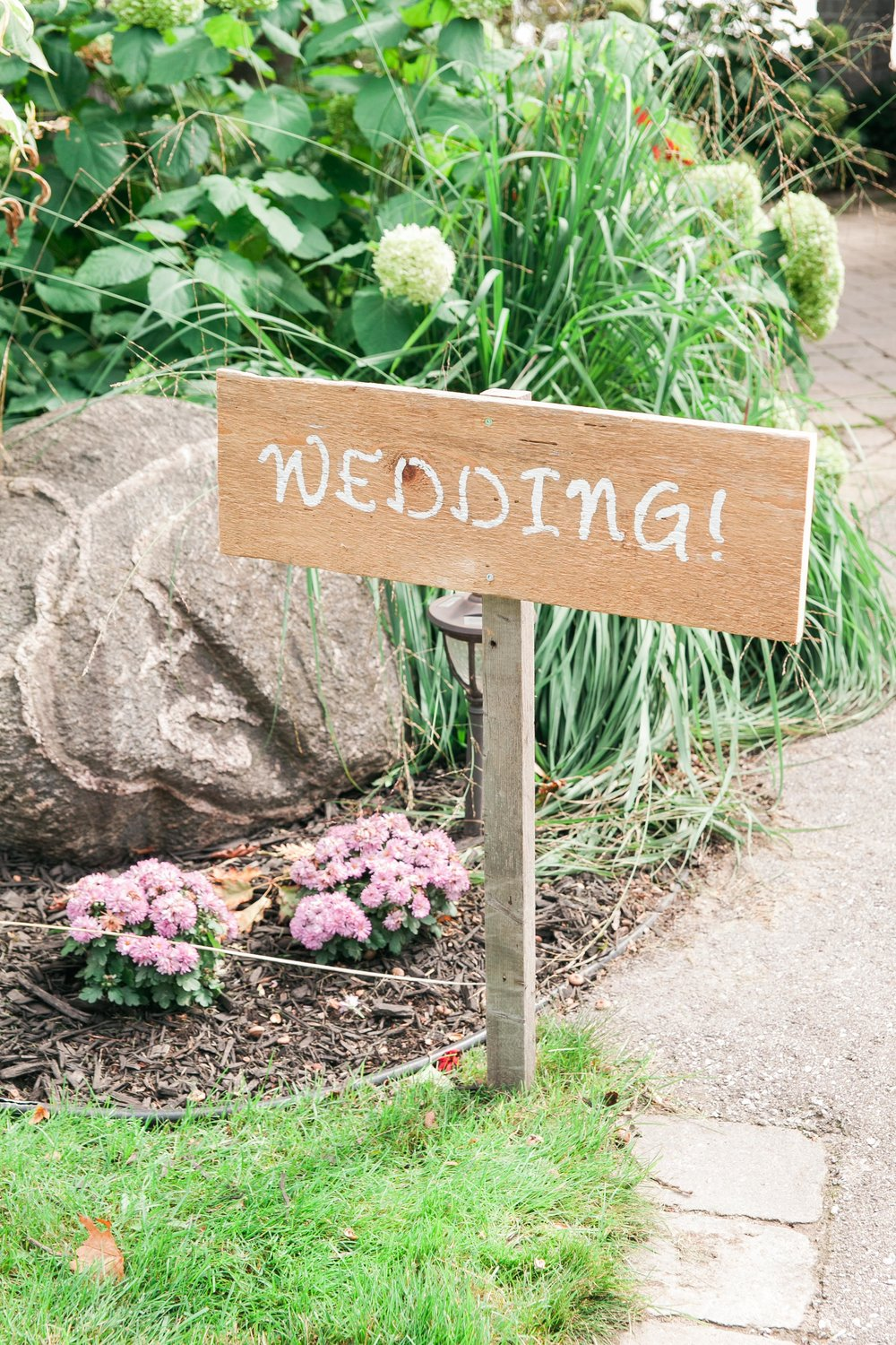 DIY wedding decor in Muskoka