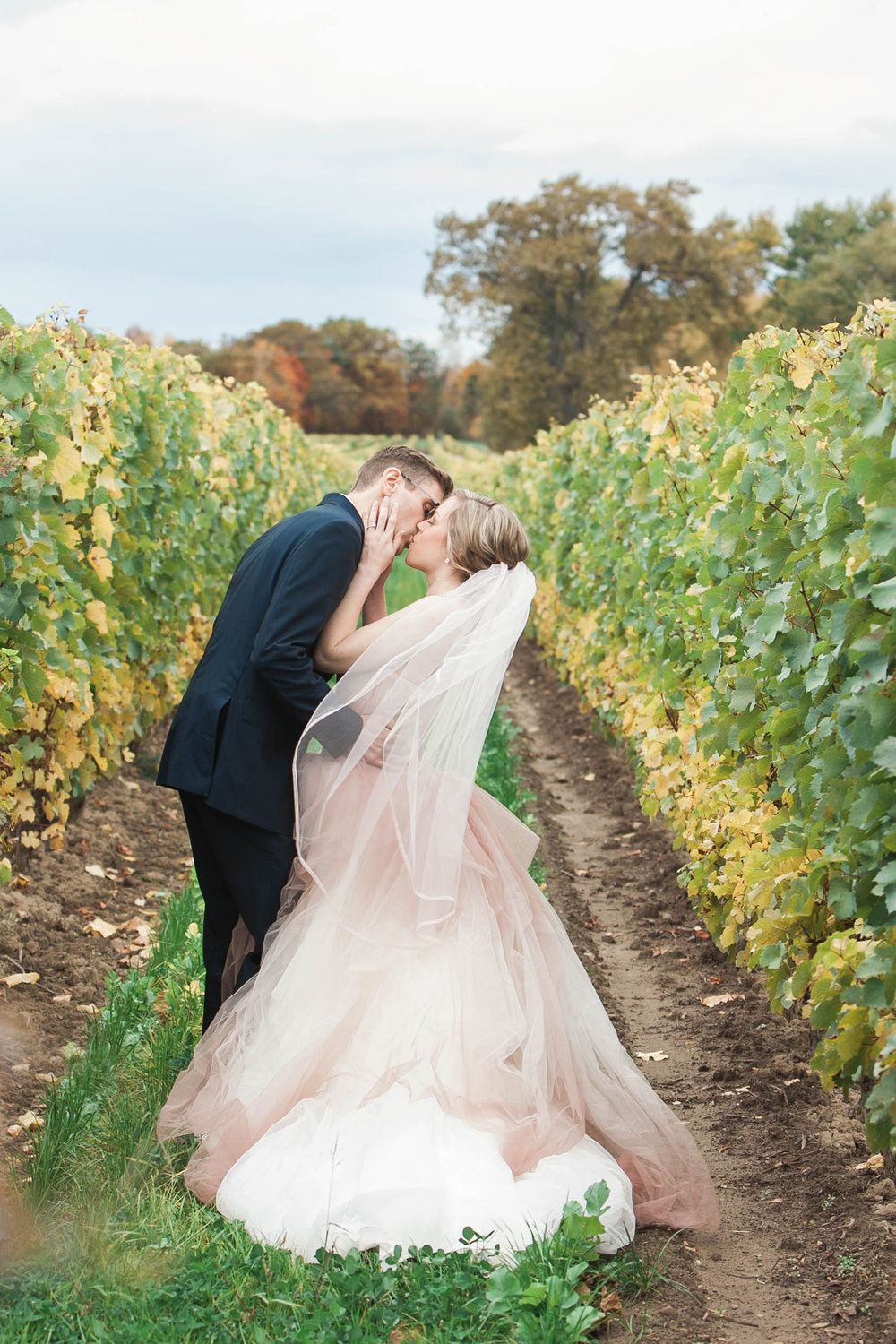 Bride and groom photos at Chateau des Charmes winery