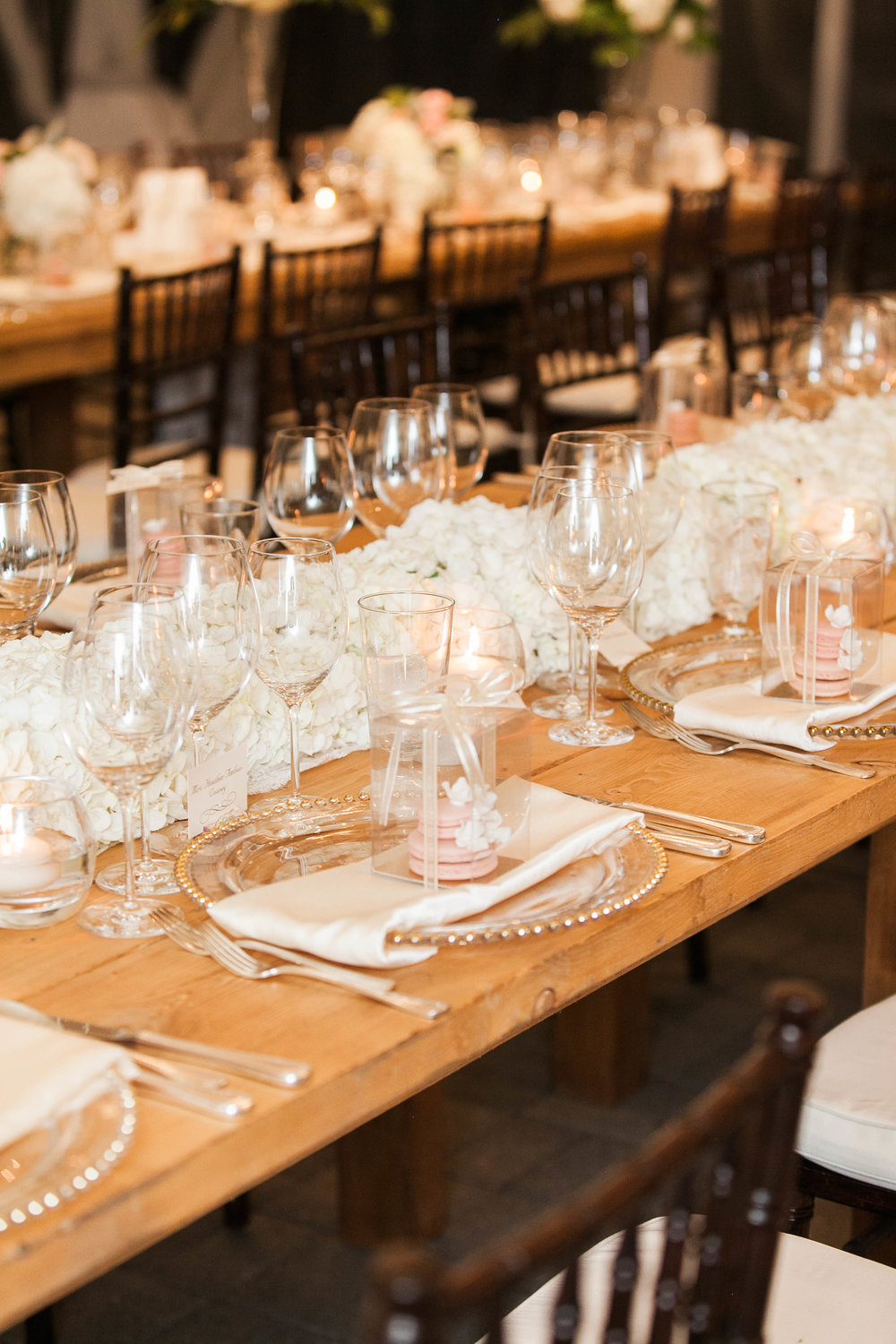 Rustic and elegant reception at Chateau des Charmes