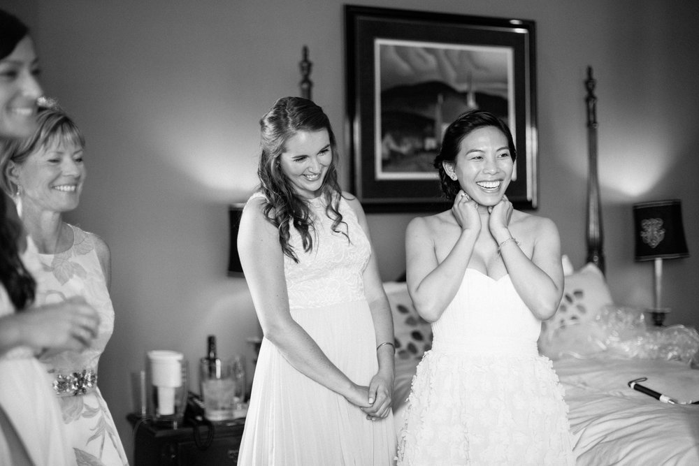 Bridesmaids getting ready at bed and breakfast in Ontario