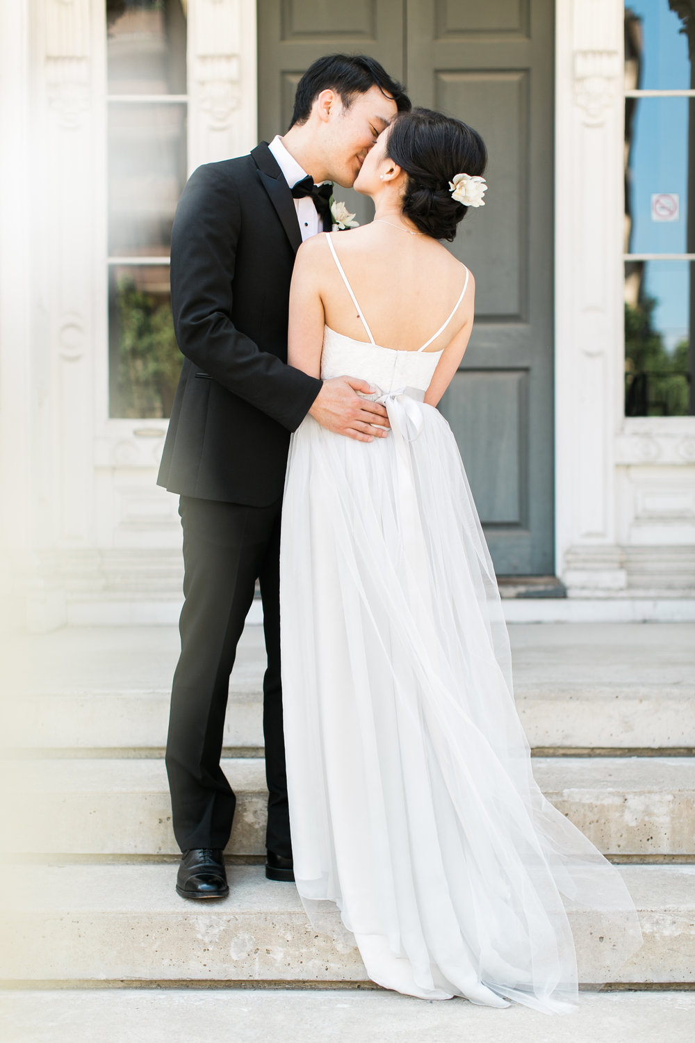 Bridal photos in downtown Toronto
