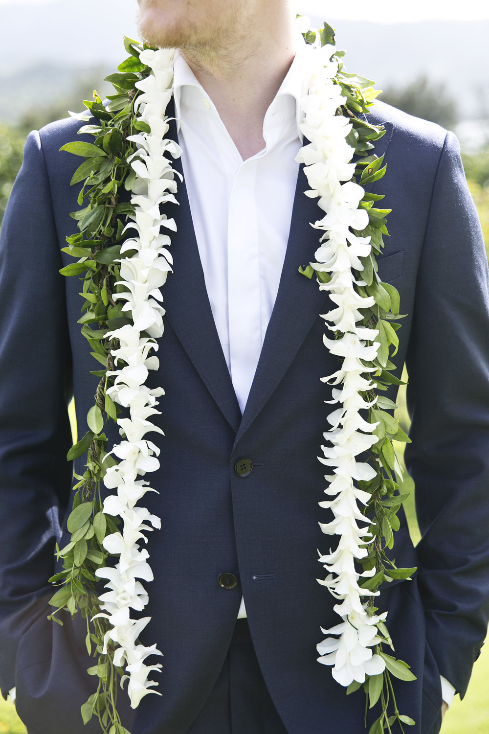 Groom's details at Hawaiian destination wedding