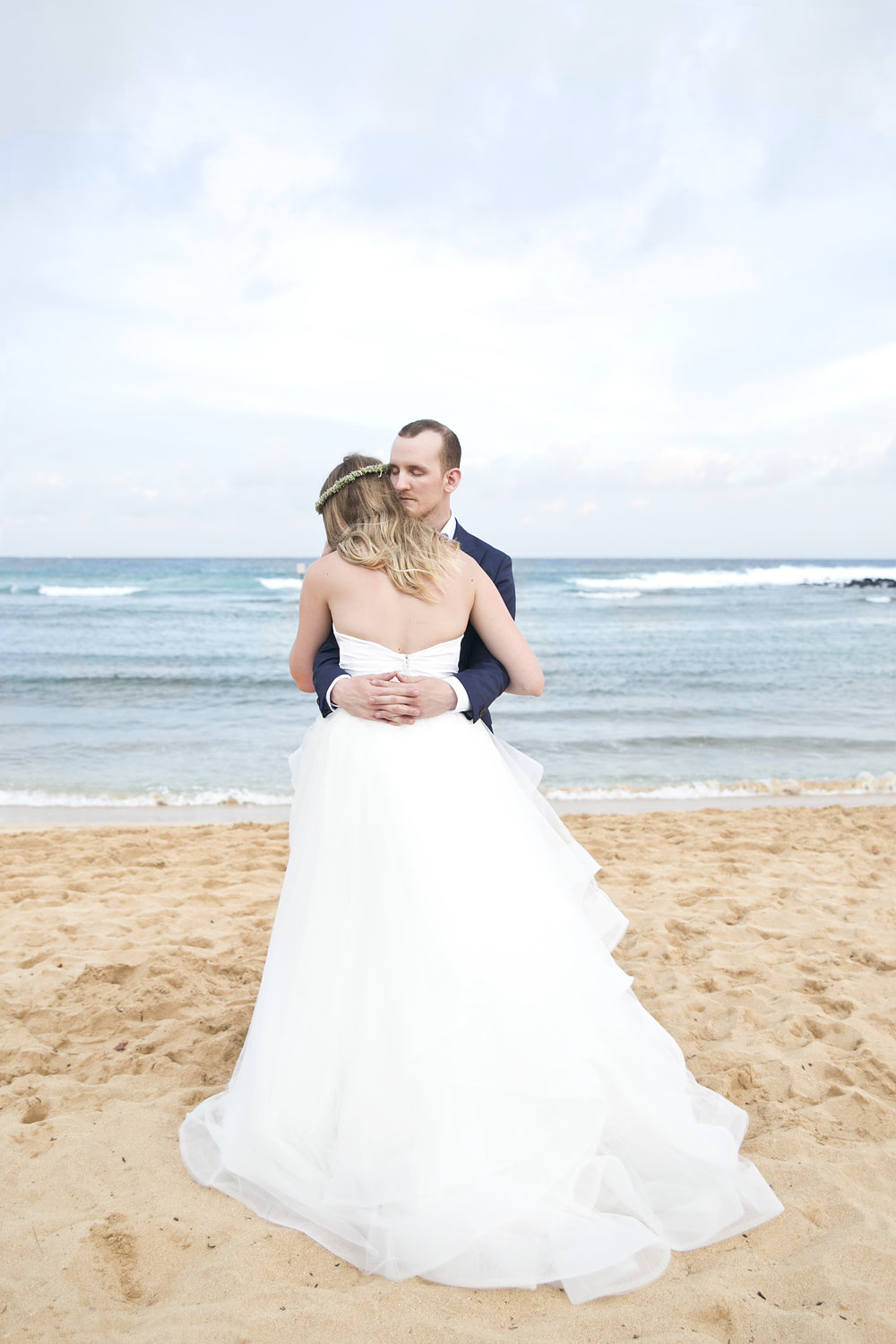 Destination wedding photos in Kauai Hawaii