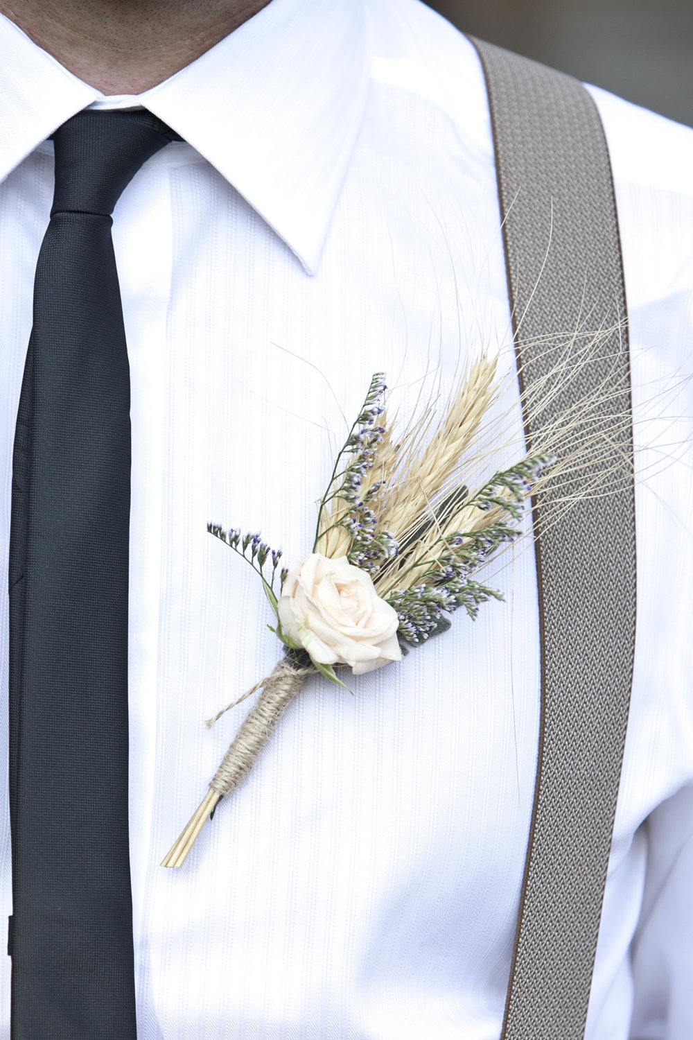 Unique boutonniere with wheat