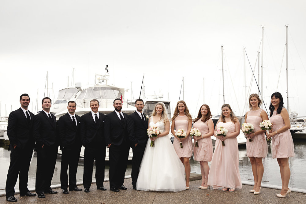 Rainy day bridal party photos in Oakville, Ontario