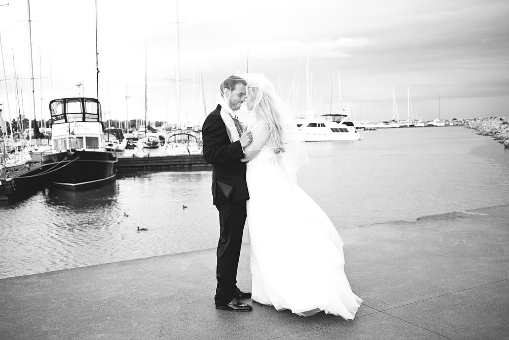 Bridal photos at Oakville Harbour