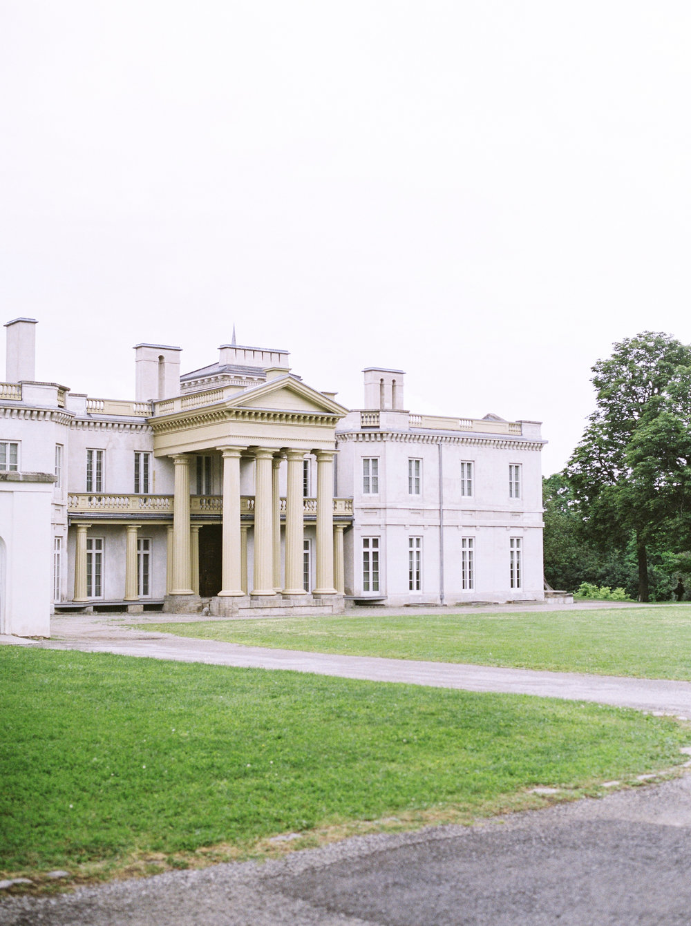 dundurn castle in ontario