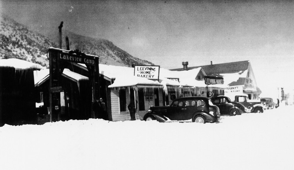 1937 Lakeview Camp ofFice and Leevining Market