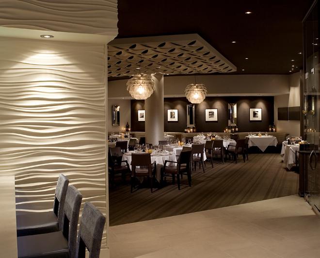 dining entrance.jpg
