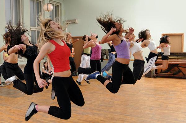 fitness-group-dance-class.jpg