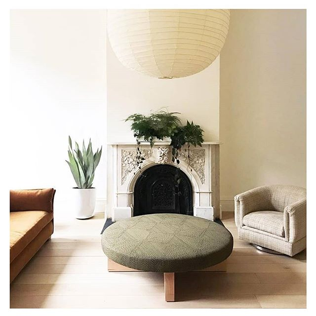 Inspiration for Wednesday- a sophisticated & earthy pallette - greens, tans, cremes by the incredible @elizabeth_roberts_architecture . . . . . . . #elizabethrobertsarchitecture #inspirationalinteriors #interiordesign #livingroominspo #livingroominspiration #artisticinteriors #eclecticstyle #earthyinteriors #interiordesigner #luxuryliving #luxuryinteriors #timelessstyle #moderntextiles #lightinteriors #softfurnishings #stylishhomes #pillows #textiledesign #cushions #interiordecor #interiorsaddict #interiorlovers #interiorarchitecture #greeninteriors