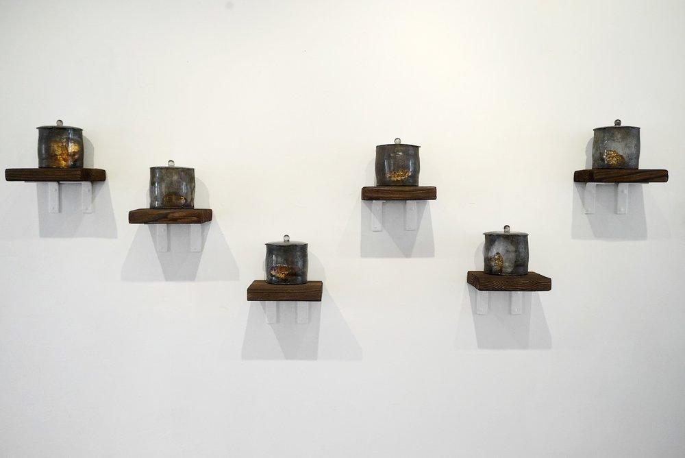 The Echo from the Highland II,Kiln-formed glass, tea, steel, silver, Dimension Variable, 2015 |高地回声II,玻璃,茶,铁,银箔,尺寸可变,2016