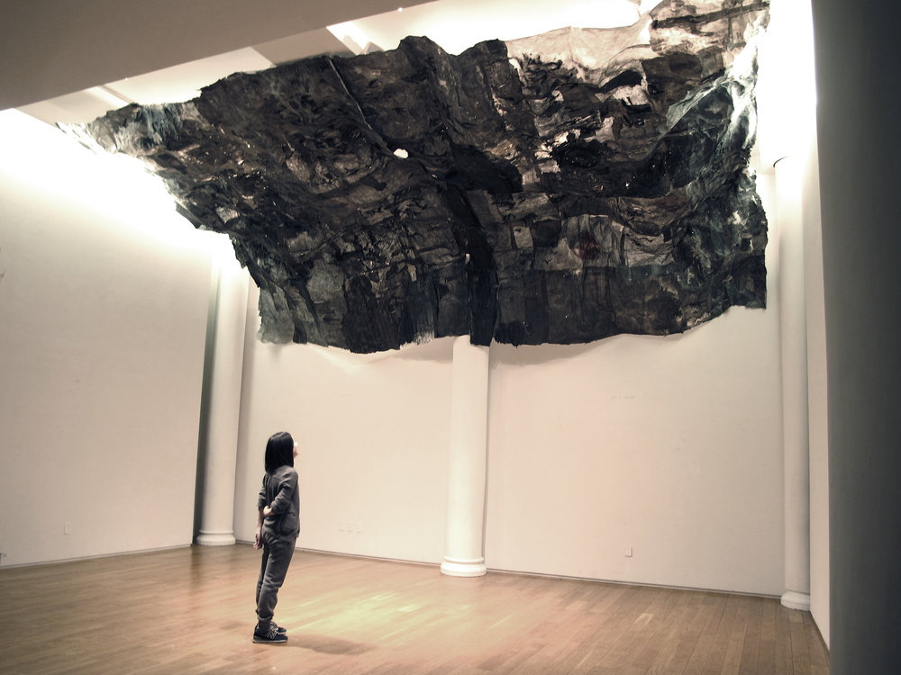 Inhale 吸 , 301 x 200 x 74.8 in. (765 x 508 x 190 cm), Ink, plastic bag, light and Xuan paper installation, 2014. ©2017 Lin Yan, courtesy Tenri Culture Institute and Fou Gallery. Photograph by Jiaxi Yang.