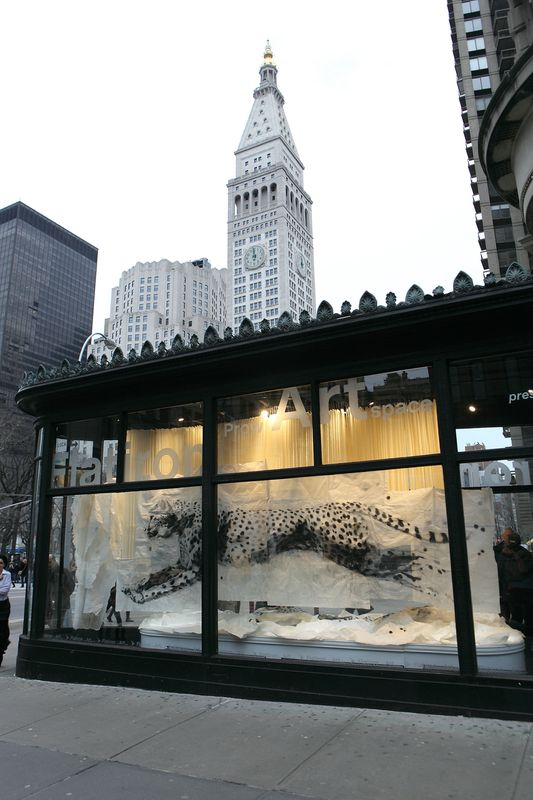Lin Yan, Embracing the Stillness 知止, 2013. Charcoal, Ink, Wax and Xuan paper installation. 276 x 192.1 x 118.1 in. (700 x 488 x 300 cm) ©2017 Lin Yan, Courtesy Fou Gallery