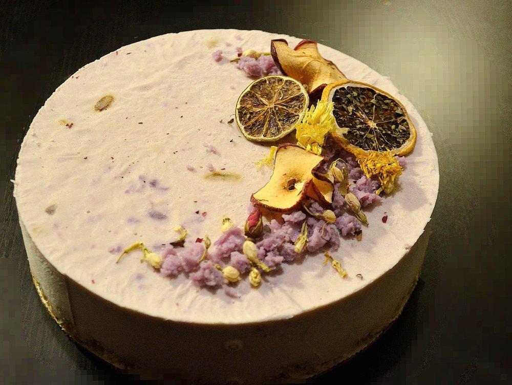 Purple Yam Cheesecake. 大黄酱紫薯起司蛋糕。Photograph by Yuan Wang