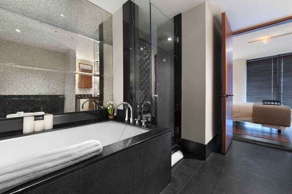 14-Master_Bath.jpg