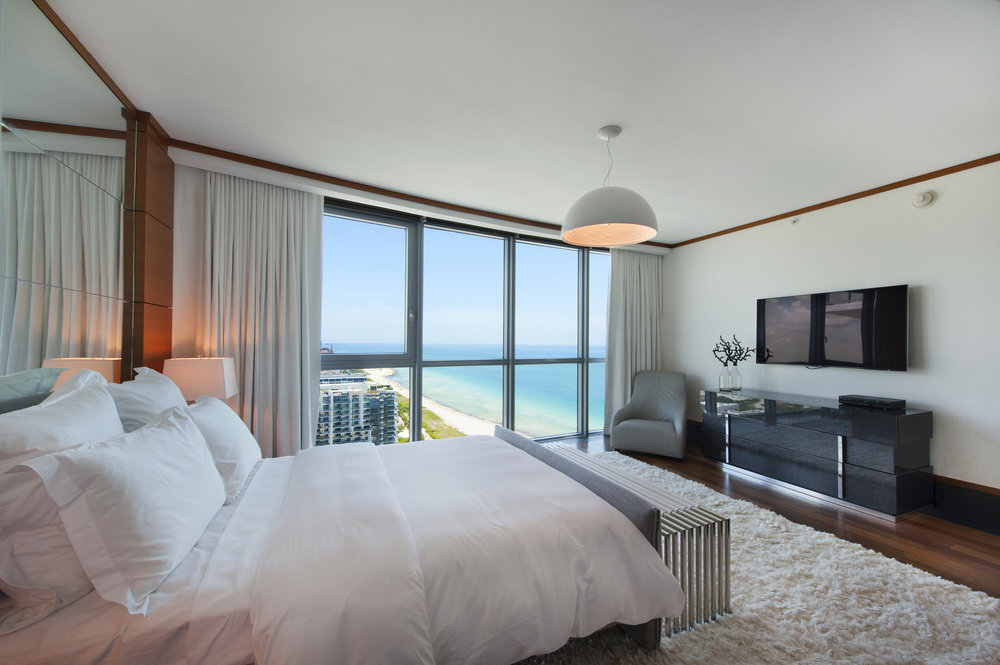 25-Bedroom.jpg