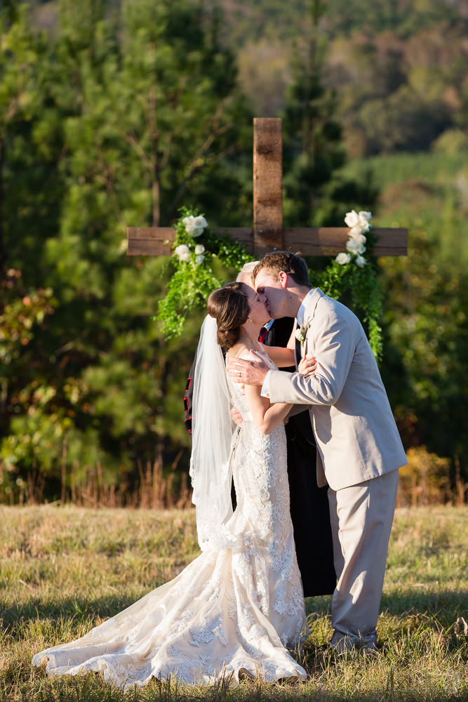 mw_russell_crossroads_stable_wedding_al_blog_023