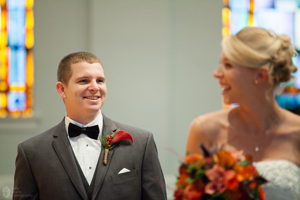 Photographs of Kimberly & RJ's Auburn, AL wedding (First Baptist Church and Hotel & Conference Center) by Alabama wedding photographers Little Acorn Photography (Luke & Jackie Lucas).