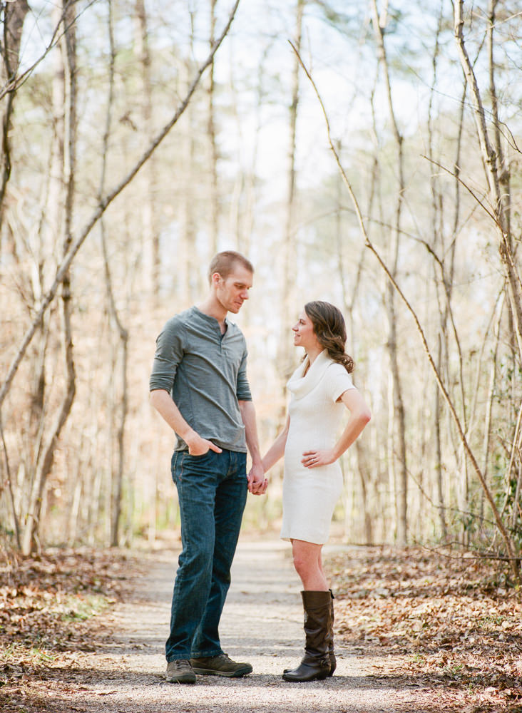 Photographs from Elena & Jake's engagement portrait session in Birmingham, AL by Alabama wedding photographers Little Acorn Photography (Luke & Jackie Lucas).