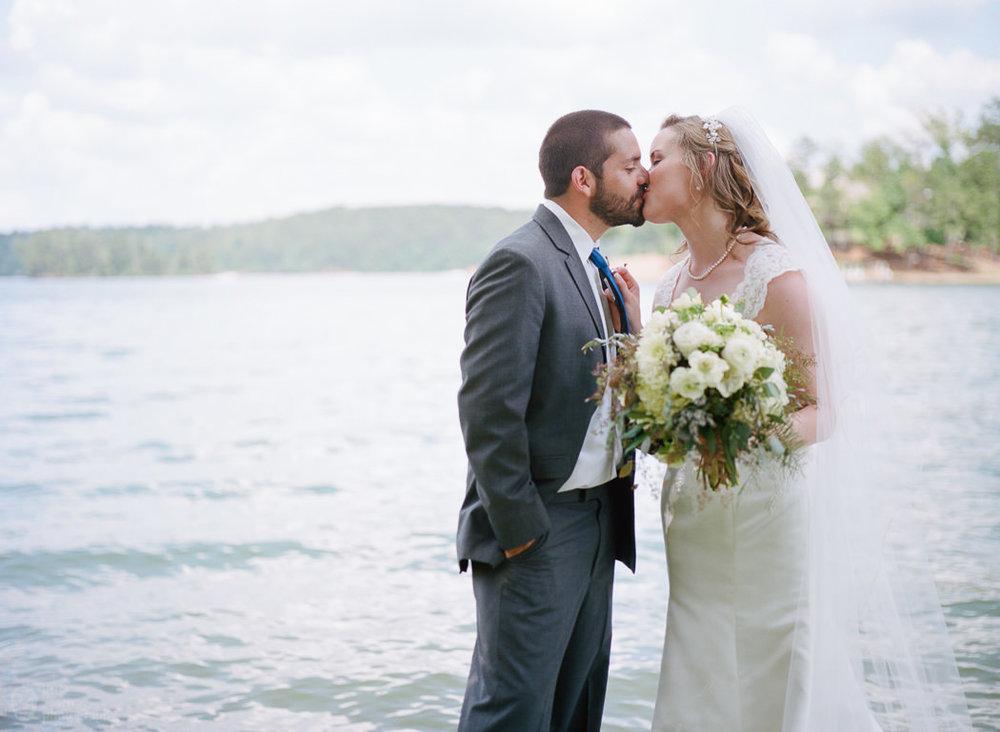 sc_a_lake_martin_wedding_025.jpg