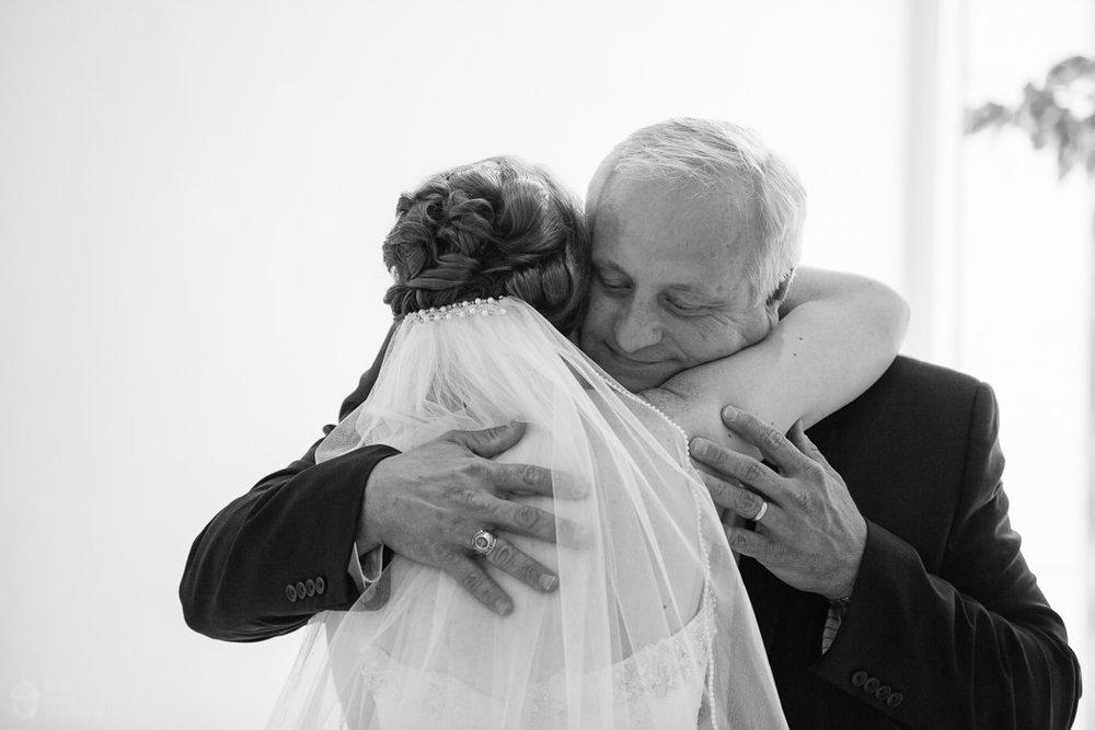 rj_auburn_al_jule_collins_wedding_015.jpg