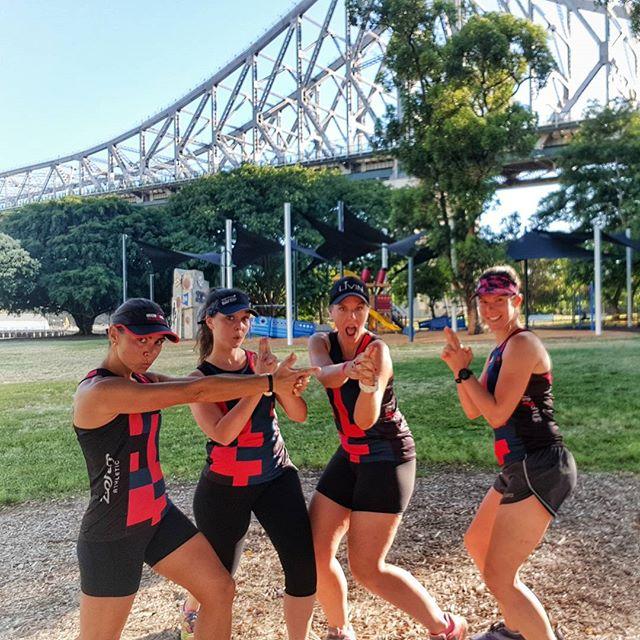 Good Morning, Brisbane!!! 🌞 . . . #BTCangels #BTC #brisbanetriclub #hillrepeats #trilife #swimbikerun #triathlon #swim #bike #run #mateship #brisbaneanyday #running #zeroathletic #brisbane #morningrun #ironman #training #WYMTM #trichicks #livealittle #thechad