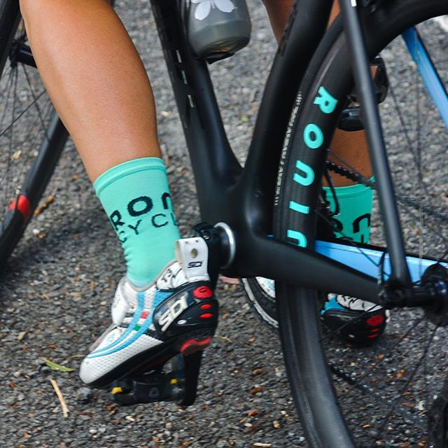 Want a pair of Ronin cycling socks? Guess a number in the comments between 0 and 100 and come along to this Friday's TFI Friday riverloop. The closest few attendees will win a pair. #rollinonronin #ronincyclingaus #triathlon #cycling #brisbanecyclist