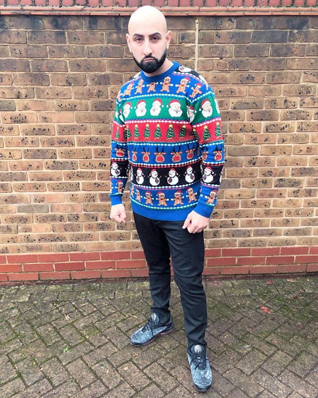 When you want to act tough,,,,, but secretly love Christmas!  This is how you look on the outside,,,, swipe to see how you feel on the inside! 😂😂 #christmas #singingdentist #christmasjumper