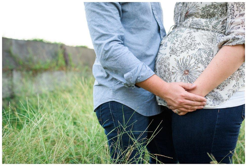 Becky  Maternity_0061.jpg