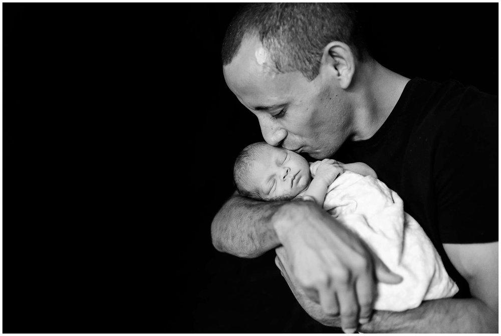 Emery Newborn_2230.jpg