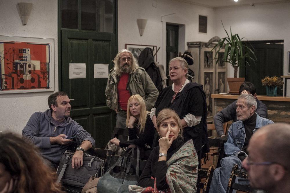 Rasprava na predavanju Branislava Jakovljevića Diletantske inscenacije i teatar zločina održano 25 novembra 2015 u CZKD Foto Srdjan Veljović .jpg