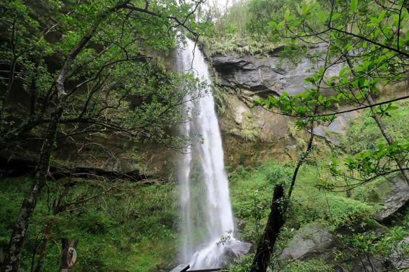sandiaoling waterfall hike.jpg