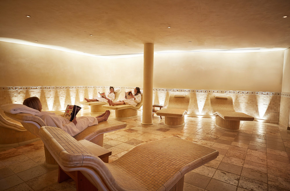 The Tepidarium with guests_Aquarias Spa.jpg