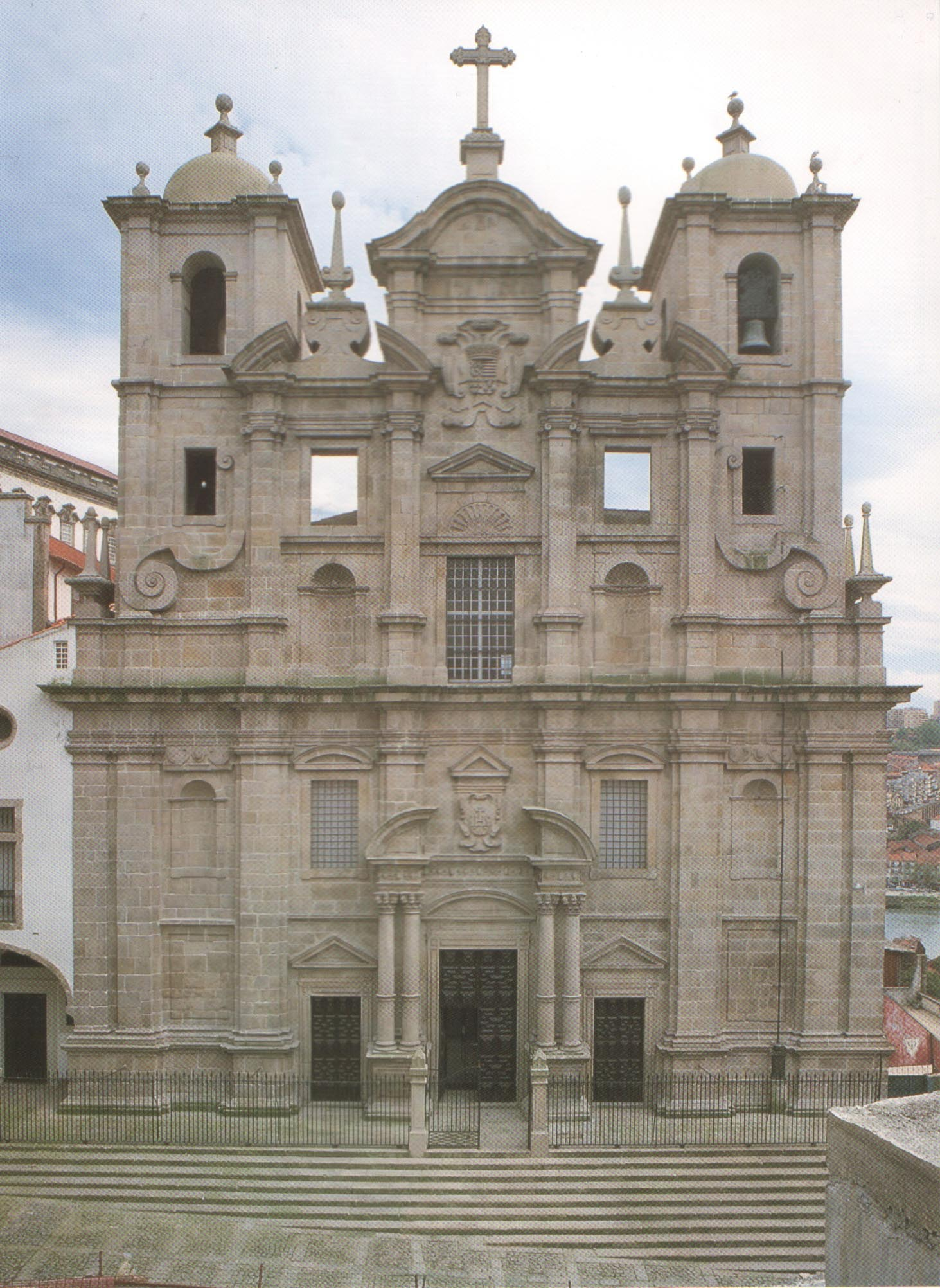 The San Lourenço do Grilos Church