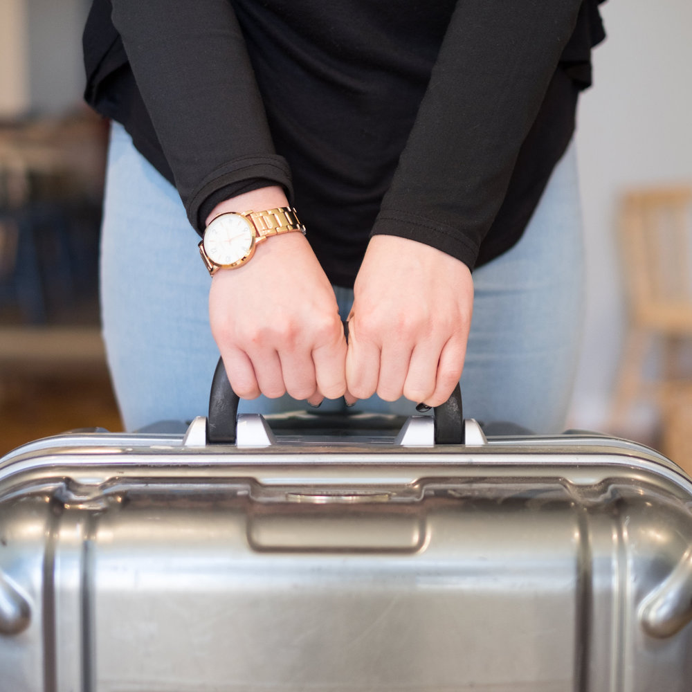 Store your luggage with Feelporto between 09 am to 9 pm for 3€ (included luggage tag). This service is complementary if you prebook a transfer with Feelporto.