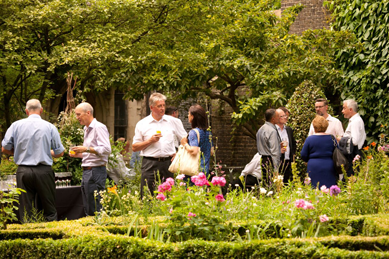 summer party- bramble hub - garden museum.png