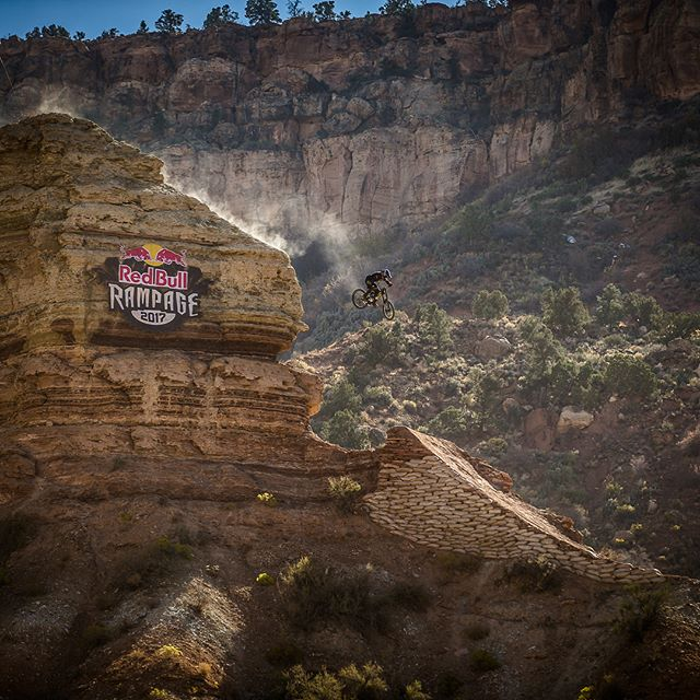 Tune in to @redbulltv today to watch @tylermccaul and all the other crazy cats compete at #Rampage today. Fly true out there T-Mac! 📷 @maddogboris #mtb #srslyfun
