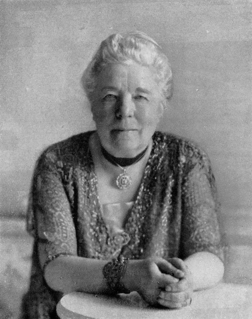 Selma Lagerlöf på 70-årsdagen 1928. Foto,Ferdinand Flodin (1863—1935) [Public domain], via Wikimedia Commons.